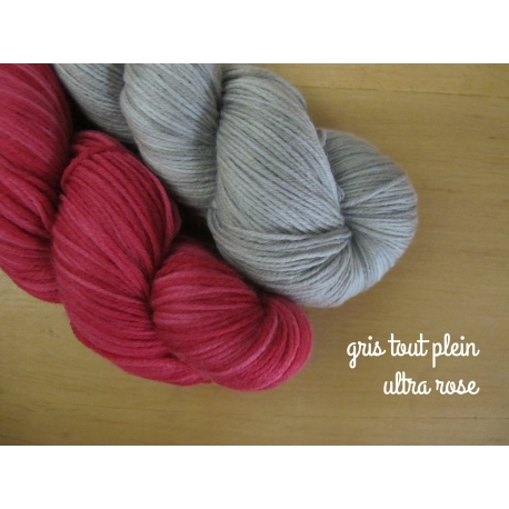 Wool Finest Gris tout plein + Ultra Rose