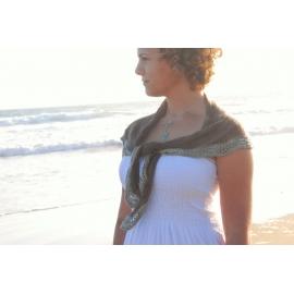 Sable et mer - petit châle tricot